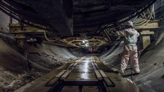Nel ventre di Milano con la talpa M4: il gigante che scava il tunnel della Blu è pronto per affrontare gli ultimi 500 metri