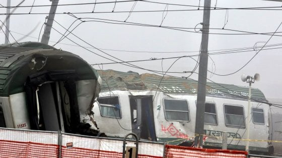 Disastro ferroviario di Pioltello, la procura chiede il processo per 10: ci sono anche Rfi e l'ad Gentile