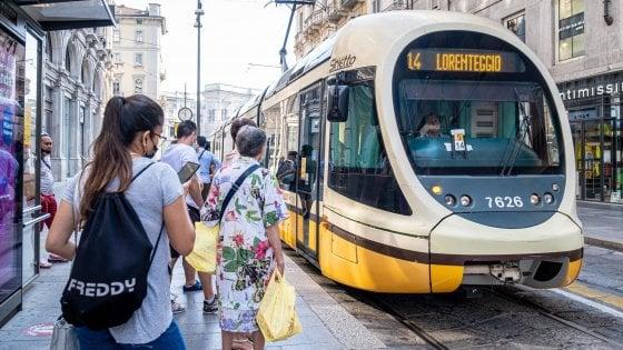 Torna il distanziamento sui mezzi pubblici ma Regione Lombardia non si adegua al diktat del ministro Speranza