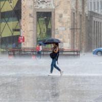 Maltempo, allagamenti a Milano, il Seveso rischia di esondare