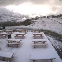Maxi nevicata in Valtellina, lo scenario è da cartolina di Natale