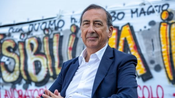 Sala e Grillo, incontro al mare: il sindaco ha raggiunto in Toscana il fondatore dei 5 Stelle