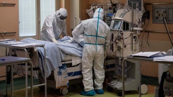 Coronavirus in Lombardia, triplicati in un mese i pazienti ricoverati in Terapia intensiva