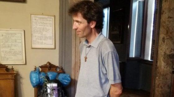 Chi era don Roberto Malgesini: il prete che sfidava i divieti per aiutare gli ultimi