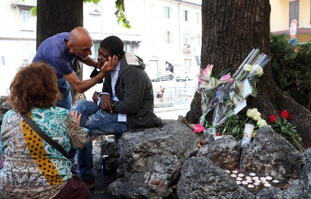 Como, ucciso a coltellate il prete degli ultimi: il luogo dell'omicidio di don Roberto Malgesini
