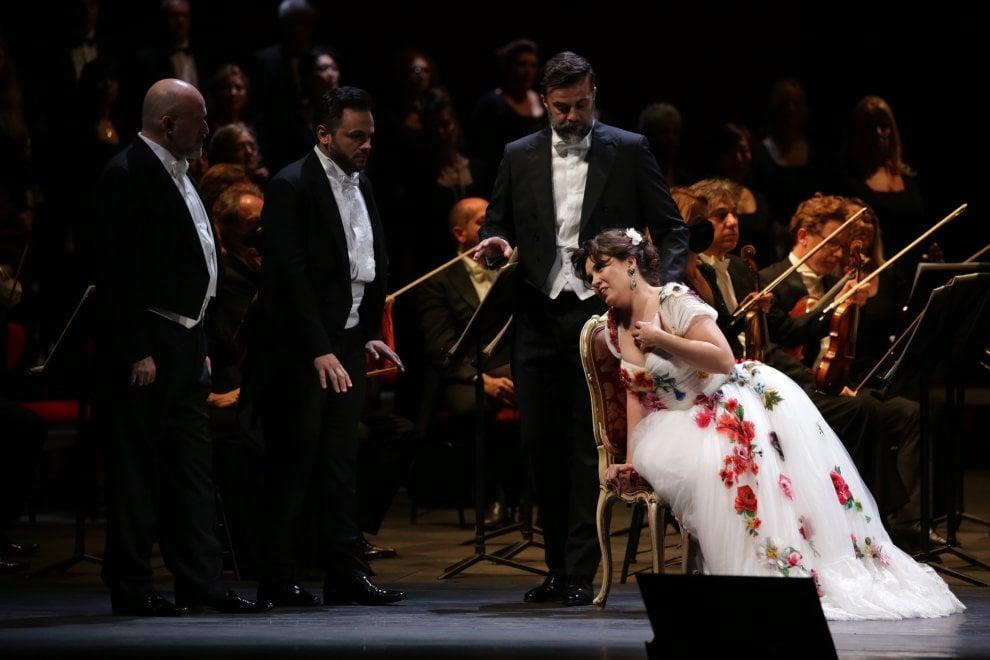 La Traviata alla Scala: prima opera in concerto dopo il lockdown