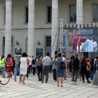 Per l'addio a don Roberto il Papa manda il suo elemosiniere, il religioso