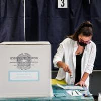 Referendum ed elezioni Comunali in Lombardia: si vota fino alle 15. A Milano