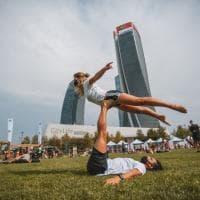 A City Life corsa e meditazione, la grande festa dello yoga dopo il lockdown