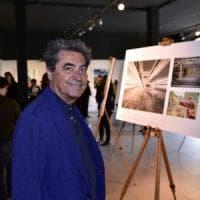 Il designer Antonio Citterio truffato dalla segretaria e dal dipendente della banca: in...