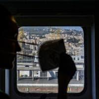 """Le vite sospese nei mesi del lockdown: a Bergamo la mostra di Parallelozero """"Covidiaries"""""""