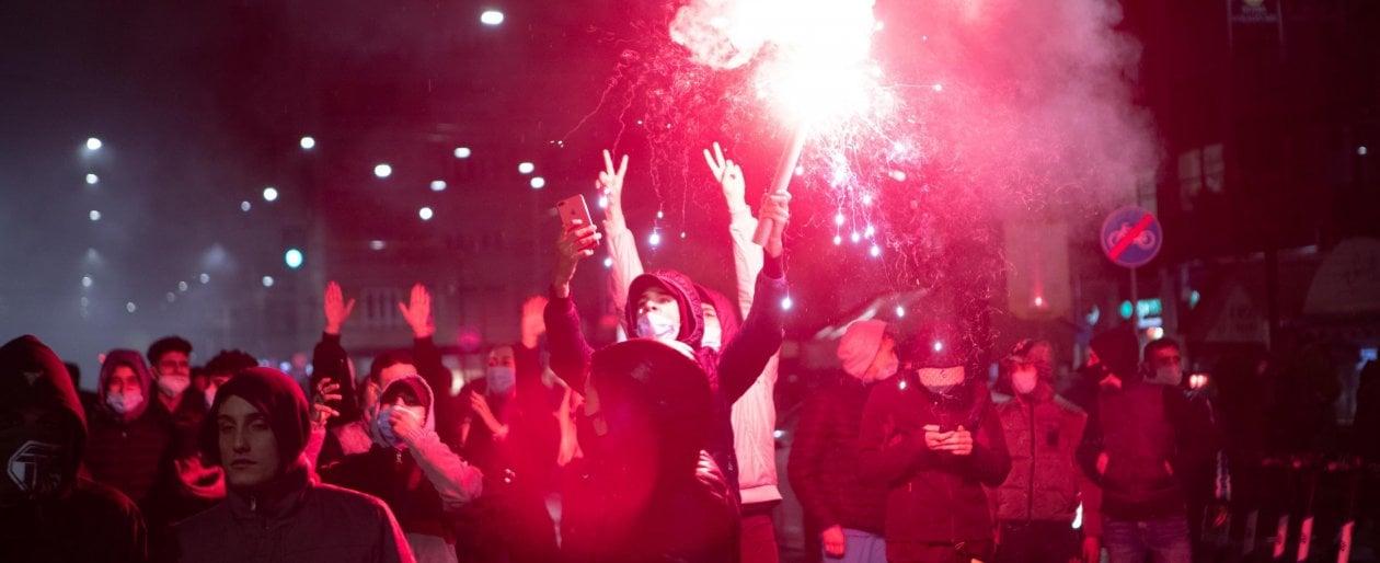Proteste contro le misure anti Covid a Milano, 28 denunciati. Tra loro anche 13 minorenni