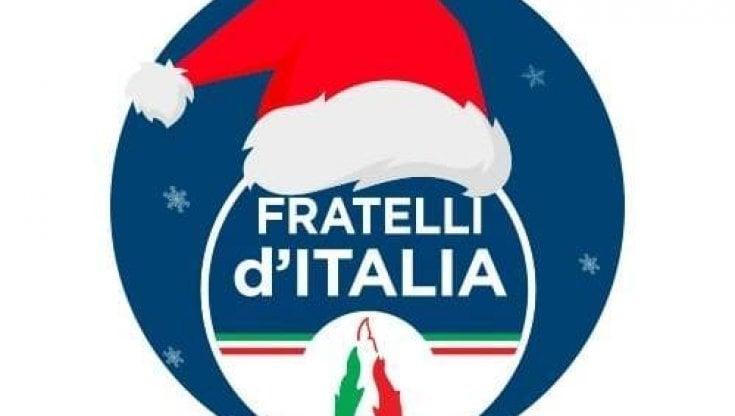 Buon Natale Fascista.Capodanno Gli Auguri Di Fratelli D Italia Brescia Con L Inno Fascista La Repubblica