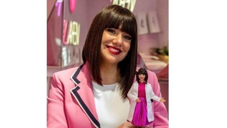 L'estetista cinica diventa una Barbie: Cristina Fogazzi scelta come role model per...