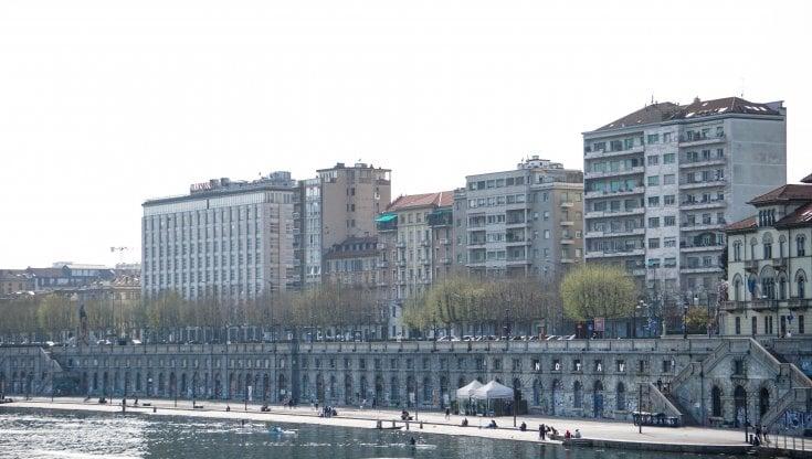 Casa, per affittare a Milano se ne va il 43% delle entrate delle famiglie: top in Italia