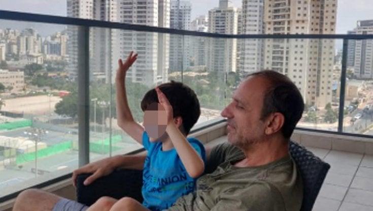 """Caso Eitan, al tribunale dei Minori la richiesta dei nonni materni: """"Siamo qui per la..."""