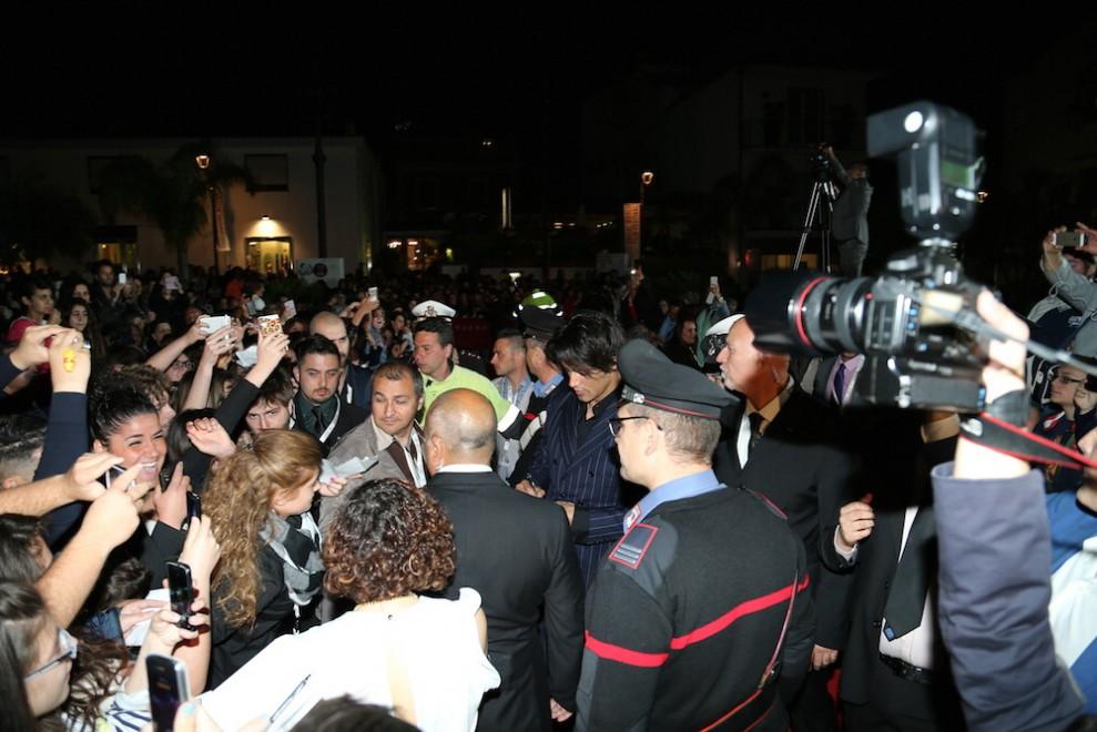 Vico Equense, parata di star italiane al Social World Festival, fan in delirio per Garko