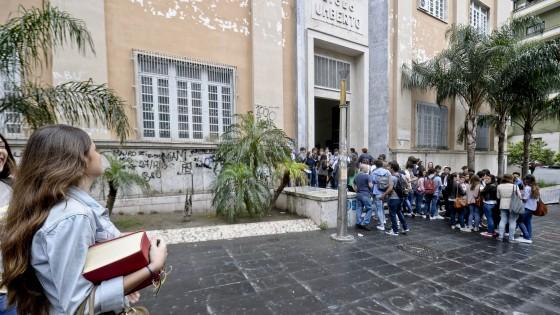 Maturit terza prova per 34 mila studenti ma come for Liceo umberto palermo