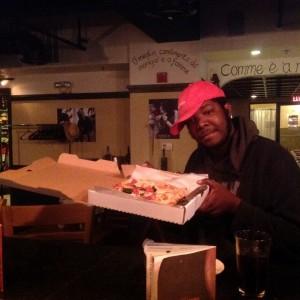 """Ecco """"suspended pizza"""": in America è boom della pizza sospesa"""
