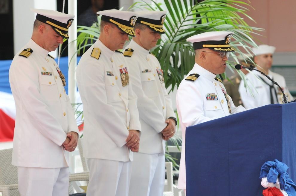 Comando marina USA, cambio della guardia