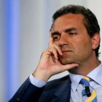 Eutanasia, il sindaco de Magistris firma per il testamento biologico