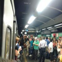 Si ferma un treno del metrò, aggredito un macchinista