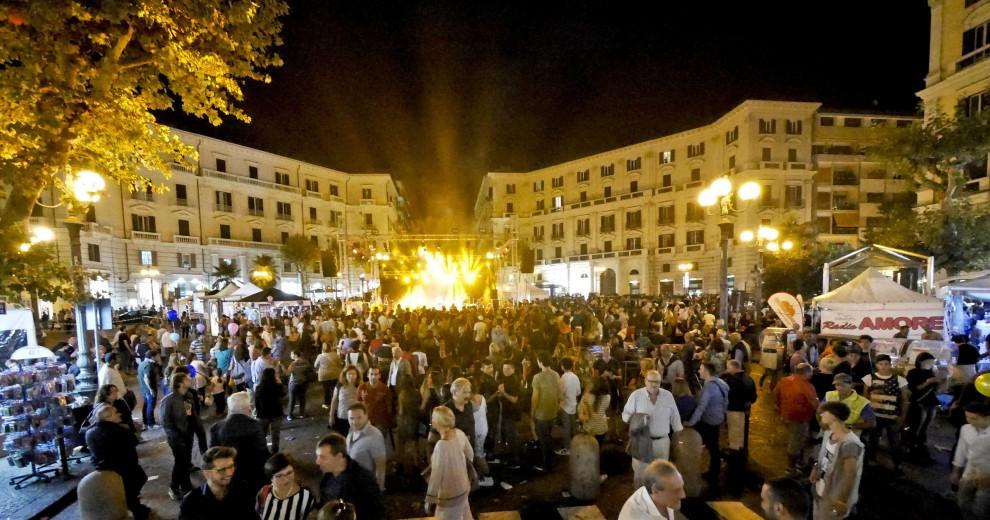 Notte Bianca Migliaia In Piazza Al Vomero 1 Di 17 Napoli Repubblica It
