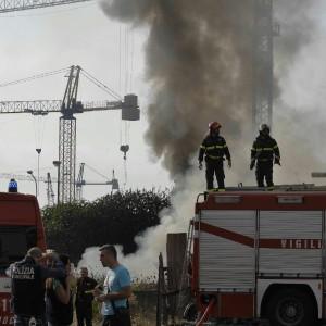Parco della Marinella, indaga la Procura. Scatta il sequestro dell'area incendiata
