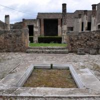Pompei, aveva rubato reperto in viaggio nozze: lo restituisce dopo 50 anni