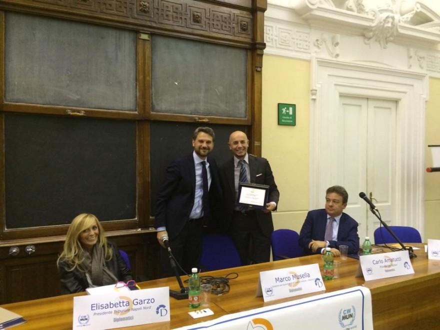 L 39 associazione diplomatici premia i partecipanti al for Stage parlamento italiano