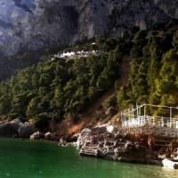 Boato nella notte a Capri, frana a Marina piccola, nessun danno a persone e cose