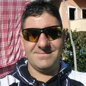 """Salerno, uccide l'ex moglie a coltellate. Il delitto annunciato su Facebook: shock sul web, centinaia di """"mi piace"""""""