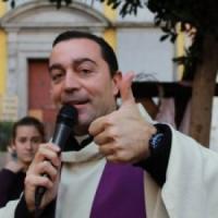 """Napoli, troppi squilli durante la messa. Chiesa """"schermata"""" dal parroco"""