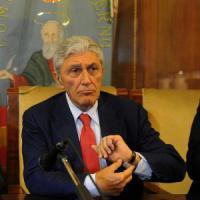 Bassolino: &quot;Basta autolesionismo, ora avanti con le primarie: con Renzi Caldoro perder&agrave;&quot;<br />&nbsp;