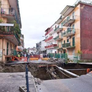Maltempo, voragine in periferia Napoli, evacuate 200 famiglie