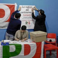Primarie Pd: caos seggi, veleni e scambi di accuse, si vota in alberghi, ristoranti e in...