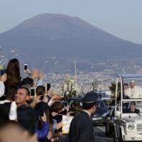 Il Papa incontra i giovani e le famiglie: