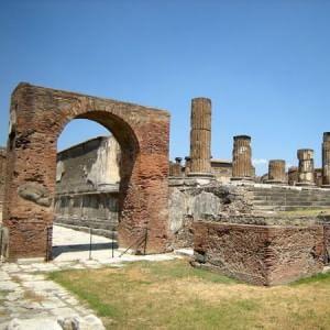 """""""Pompei, il nostro orgoglio"""". Il ministro Franceschini propone visita agli Scavi in occasione di Expo2015"""