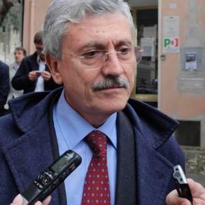 """L'ira di D'Alema sui pm: """"Non ho mai ricevuto favori, scandaloso finire negli atti"""""""