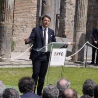 """Renzi a Pompei, tour tra gli scavi . """"Riprendiamoci Pompei, questa è l'Italia che cambia"""""""