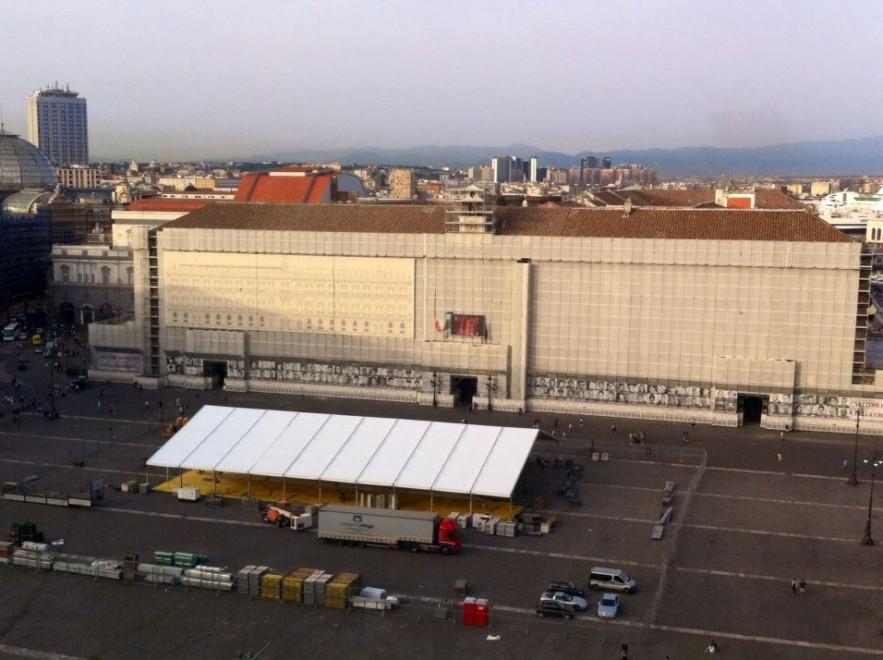Plebiscito un capannone di cento metri taglia in due la for Capannone di 300 metri quadrati
