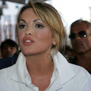 """Lady Berlusconi: """"Campani, guardate chi sta con De Luca"""""""