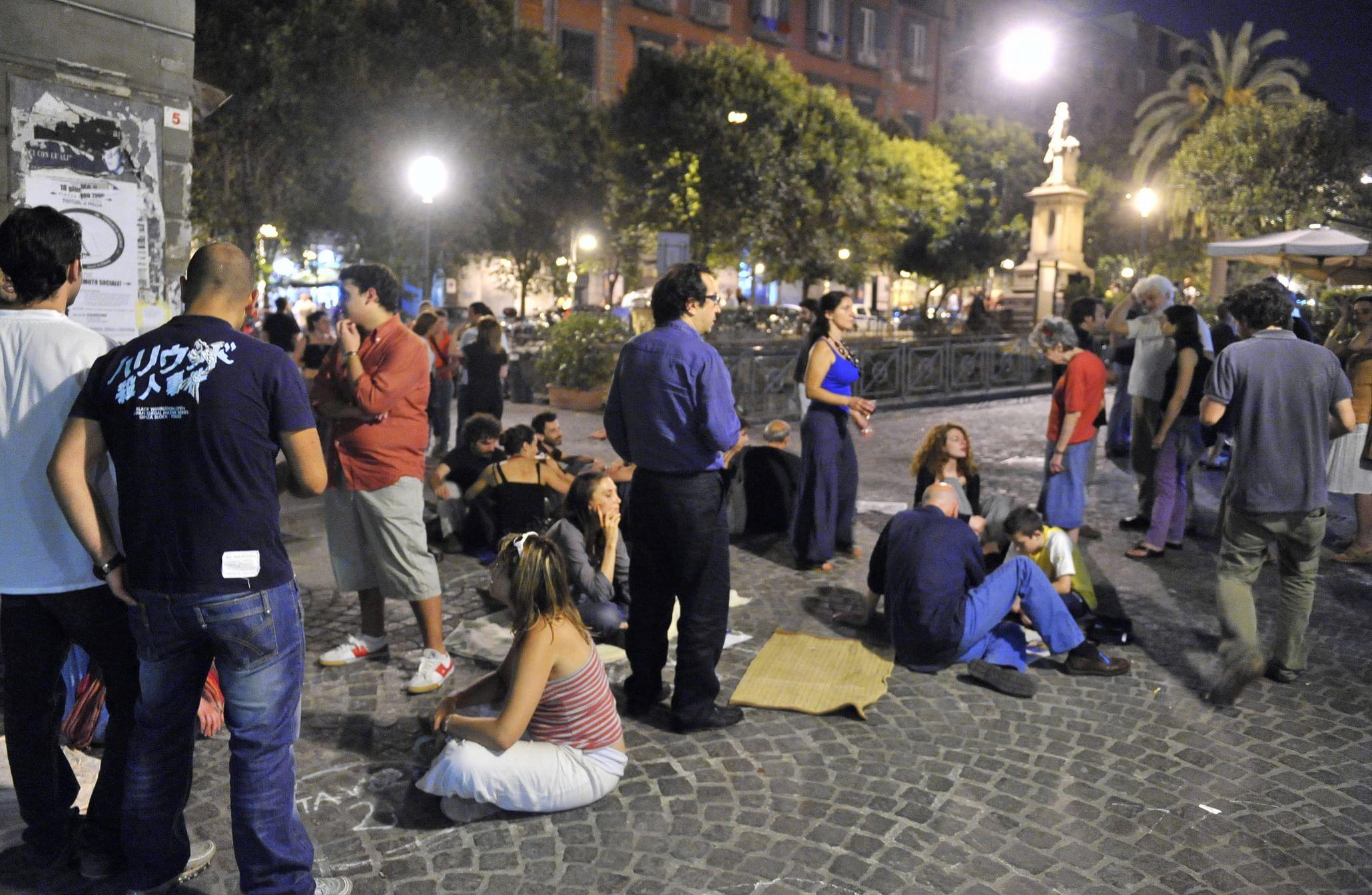 """Piazza Bellini: """"Fu una aggressione vigliacca e omofoba"""""""