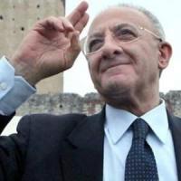 De Luca, il prefetto notifica la sospensione