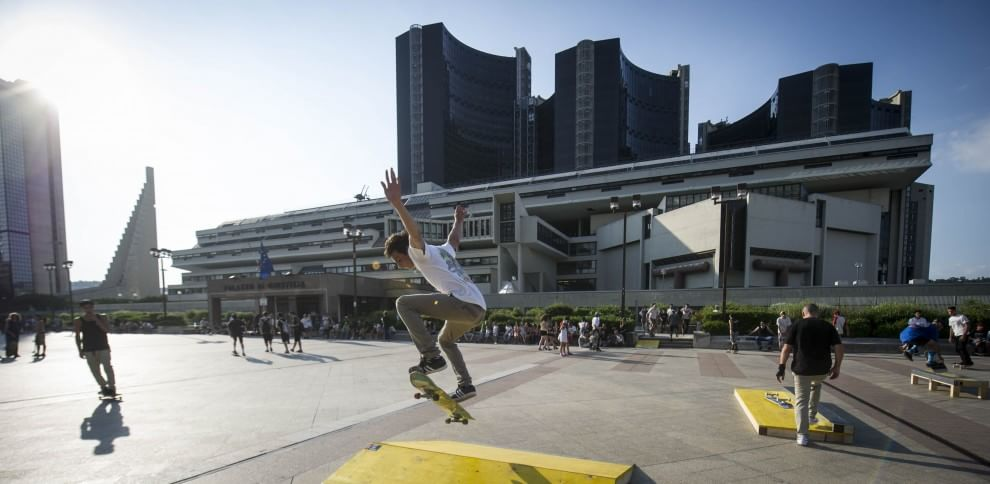 I grattacieli del centro direzionale rampa di salto per gli skaters - 1 di 1 - Napoli ...