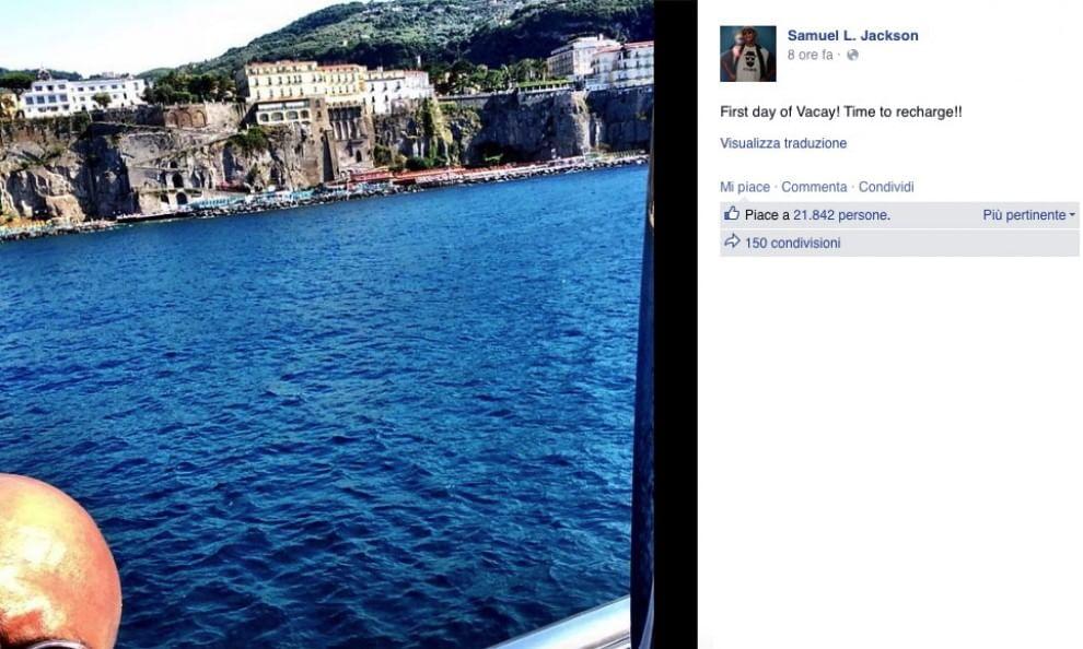 Samuel L. Jackson in vacanza a Sorrento, posta foto su Facebook