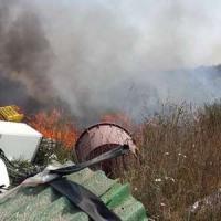 Terra fuochi: vasto incendio nella discarica Resit nel Napoletano