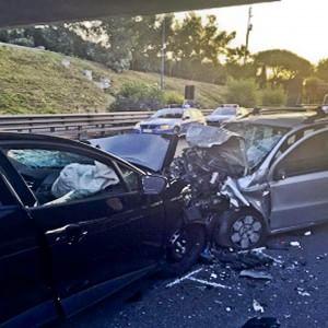 Folle corsa in tangenziale Il pm: omicidio volontario per il dj che guidava l'auto