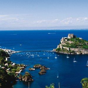 Truffatore affittava a ischia case vacanza inesistenti for Casa vacanza ischia