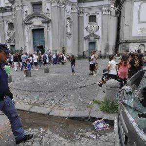 Notte di sangue a Napoli: uccisi un diciassettenne e un uomo di 30 anni